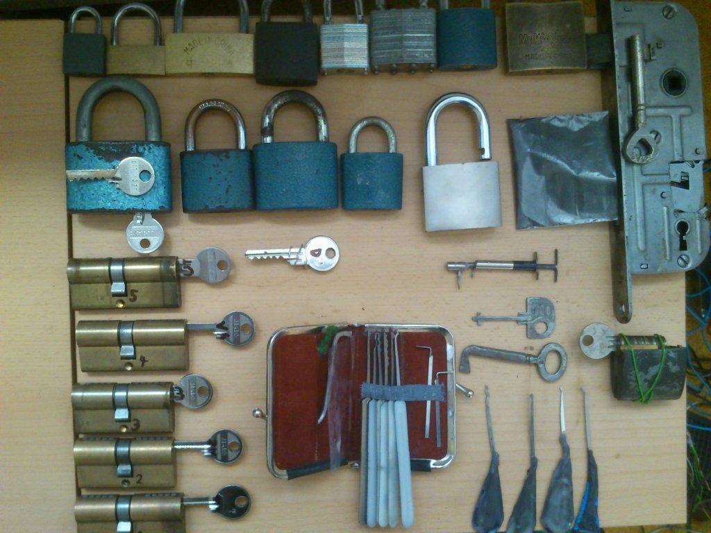 http://forum.lockpicker.cz/userdata/Dr.DOX/im_DSC_0097[1].JPG